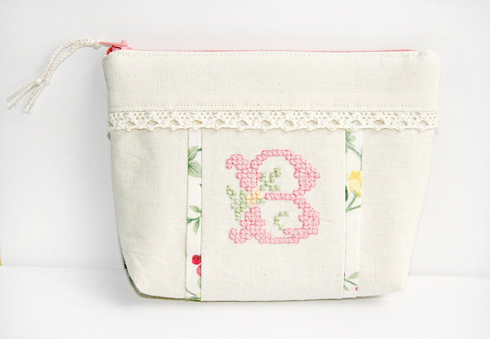 Personalized Embroidered Cosmetic Bag - FriendlyHandmade