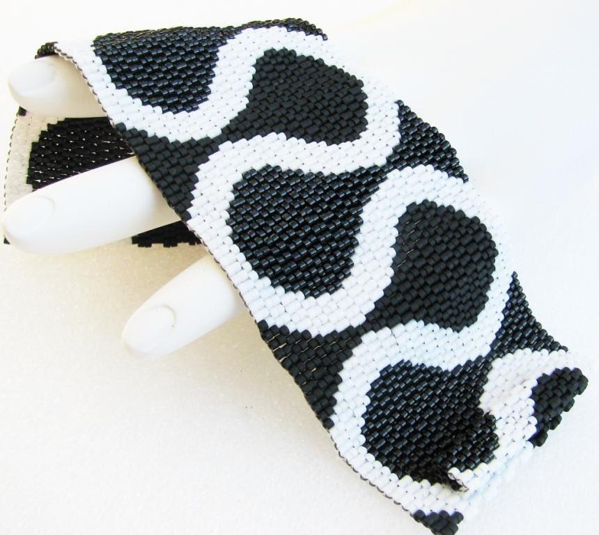 Ruffles in Black and White Peyote Cuff Bracelet (3434)