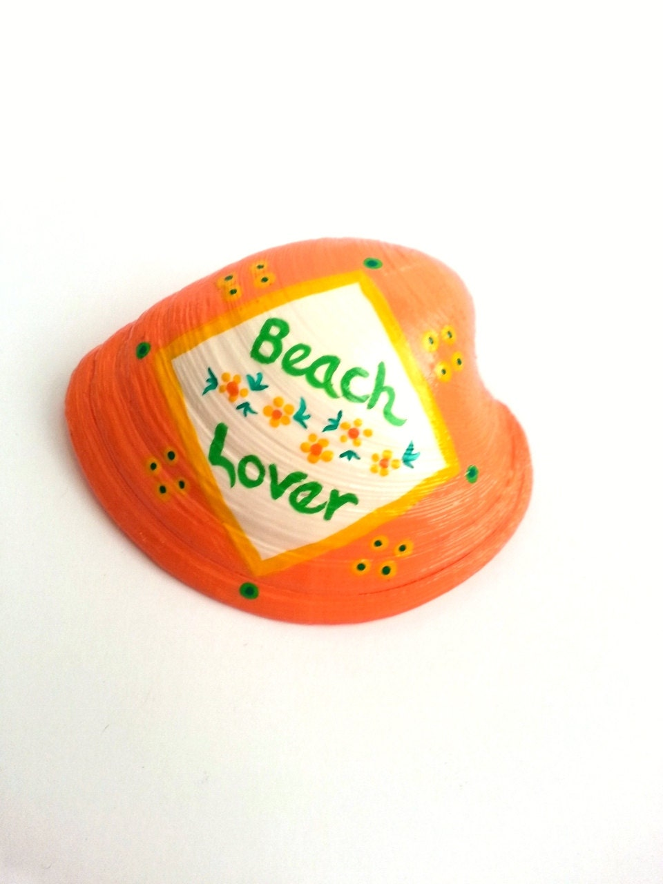 Clamshell, hand painted seashell art in bright peach and white - beachseacrafts