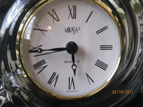 Vintage Mikasa Glass Sea Shell Quartz Mantle Clock, Germany