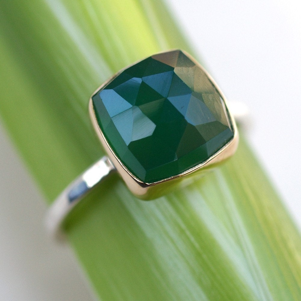 Green Onyx Facets With Gold
