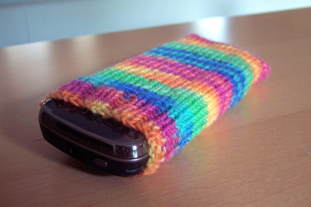 Knitting Patterns For Phone Socks : Once a Week: Hand Knitted iPhone Sock