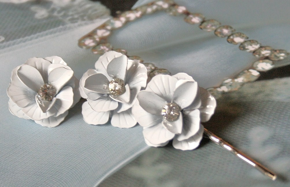 Vintage Enamel Rhinestone Flower Hairpins-White