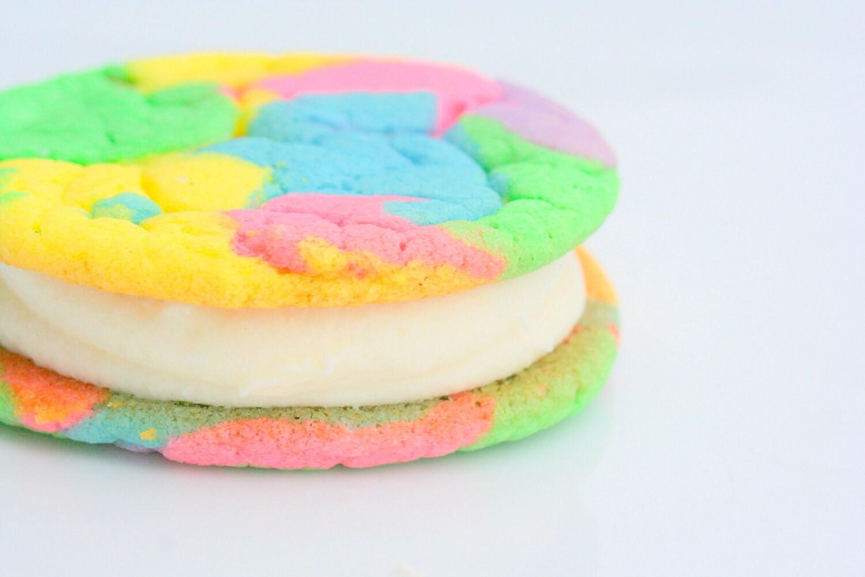 NEW Sugar Springs Buttercreme Cookie-Wiches-1/2 Dozen