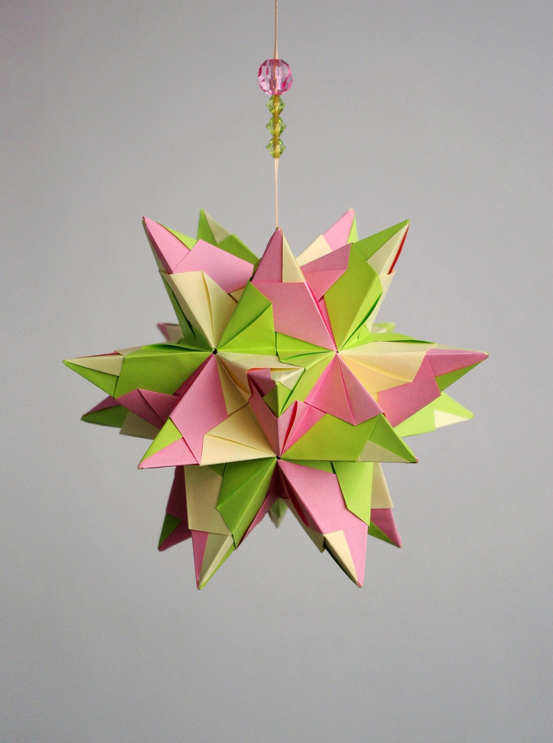 "SALE - Origami paper ball -  Kusudama  ""Tornillo"". Spring inspiration. Light and air. - Waveoflight"