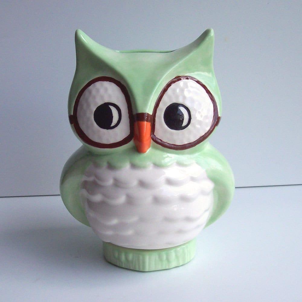 Wise Owl Bank Vintage Design Mint Green