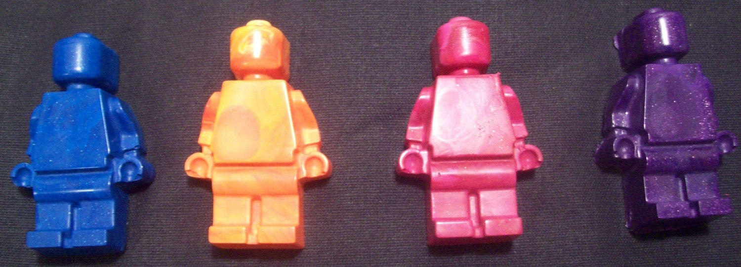 LEGO MAN Upcycled Crayons Recycled.. FAST SHIPPING.. Perfect For Toddlers .. Party Favors, Birthday Parties and more - Swirly Whirly Colors