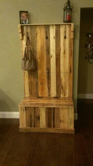 Items similar to handmade reclaimed pallet wood hall tree trunk on etsy - Adding character to your hallway with a hall tree ...