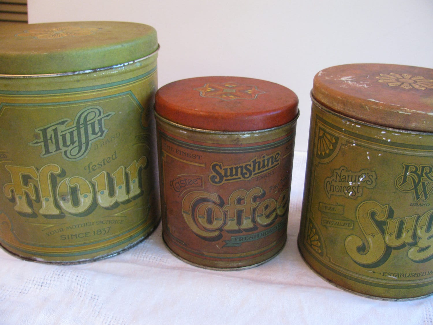 Vintage 3 tin kitchen canister set fluffy flour by gaelianna for Kitchen set vintage