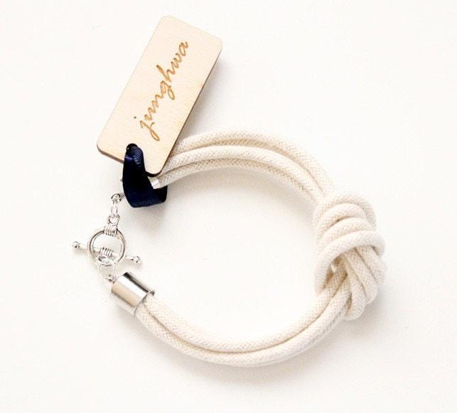 I Love Knots Bracelet
