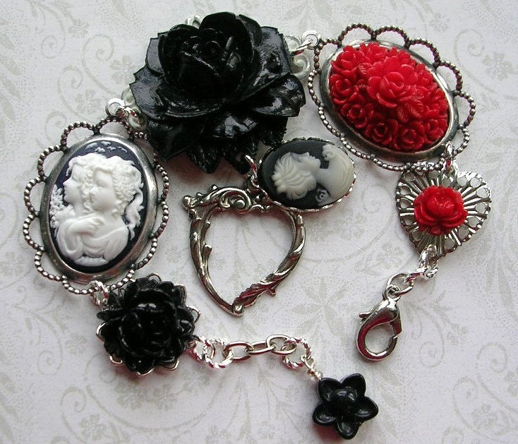 My Sisters Cameo Rose Heart Charm Bracelet