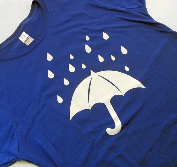 Umbrella in the rain Ladies t-shirt (Available in sizes S, M, L, XL)