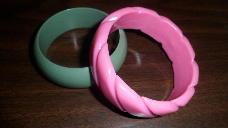 2 1980s Chunky Bracelets