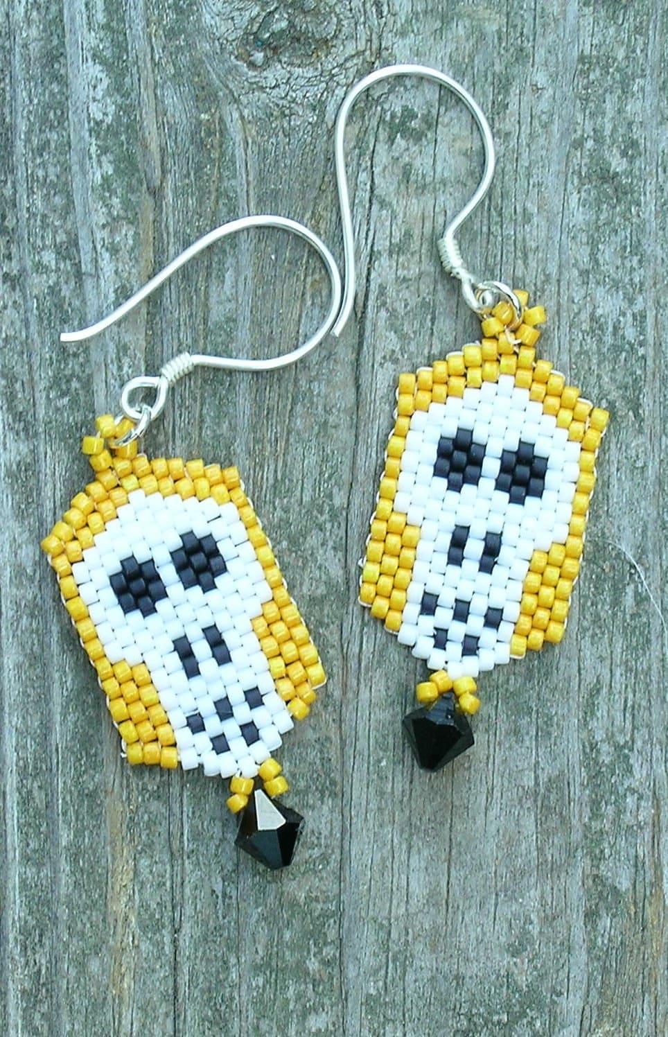 Skull Earrings Bead Woven by Sooz