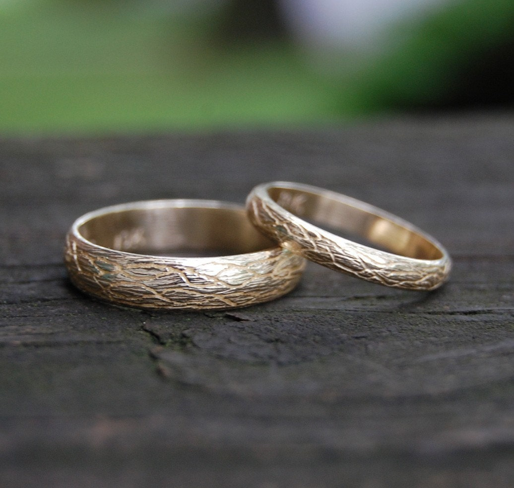 the tree vine yellow gold wedding band set by zahour