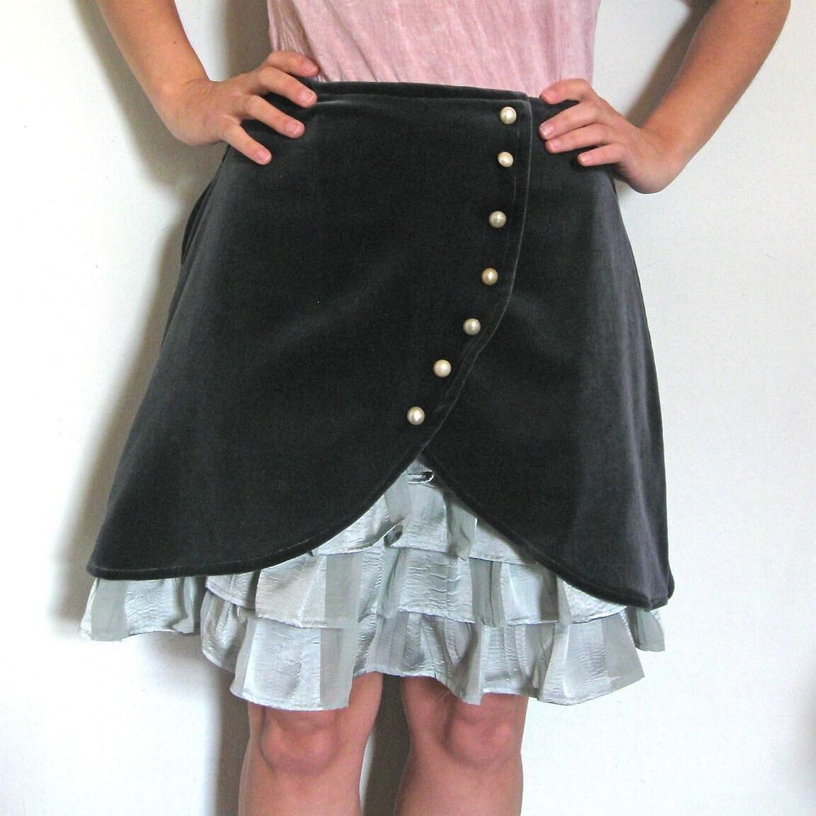Gray  Velveteen ruffle front skirt