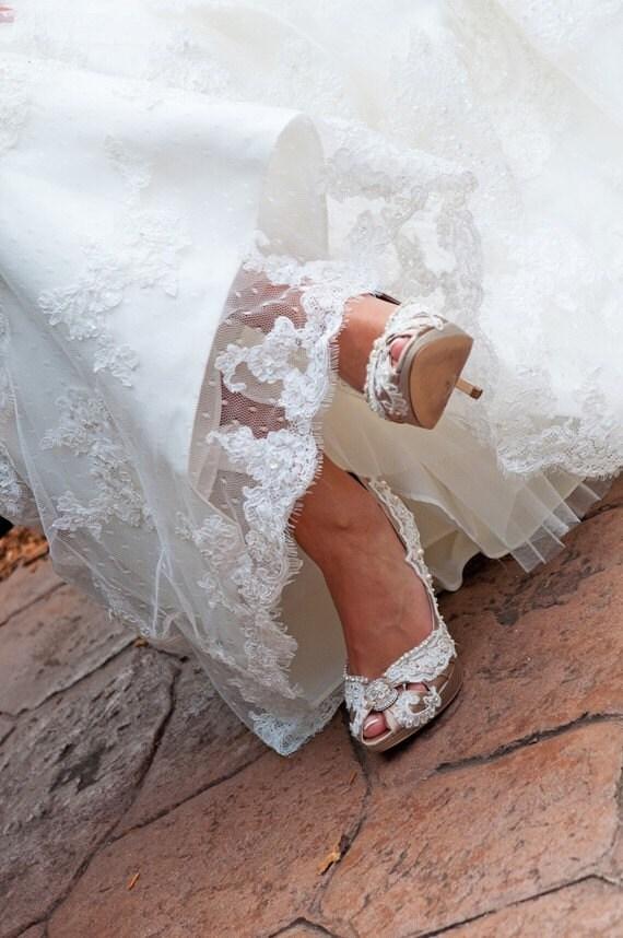 Custom Listing for Eileendestr...Carlie Beshara
