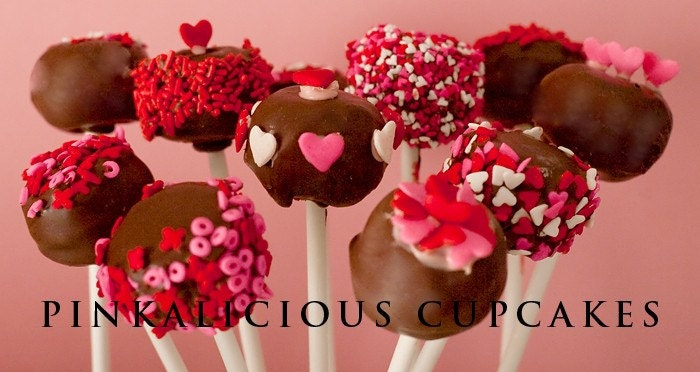 Valentine Cake Pops/Cake Balls. From PinkaliciousCupcakes