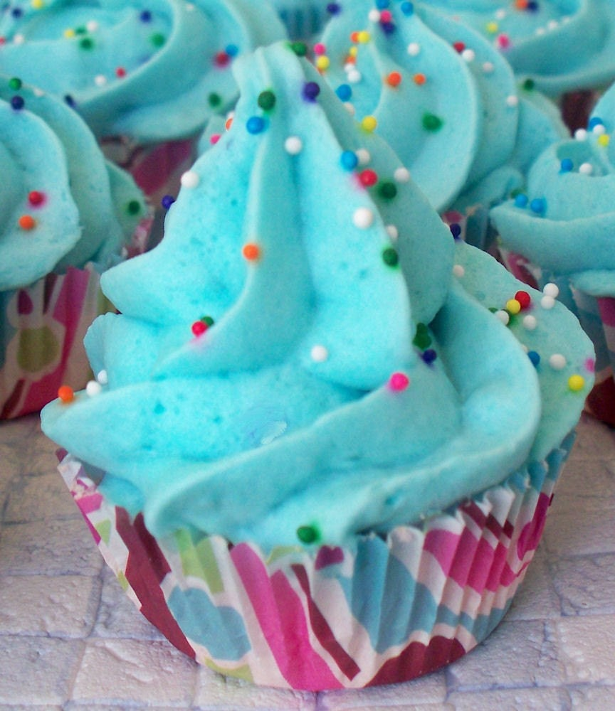 Cupcake Bath Bomb Minis with Whipped Soap Frosting Set of 40 Individually Wrapped (Vegan Friendly) COMPLIMENTARY SHIPPING