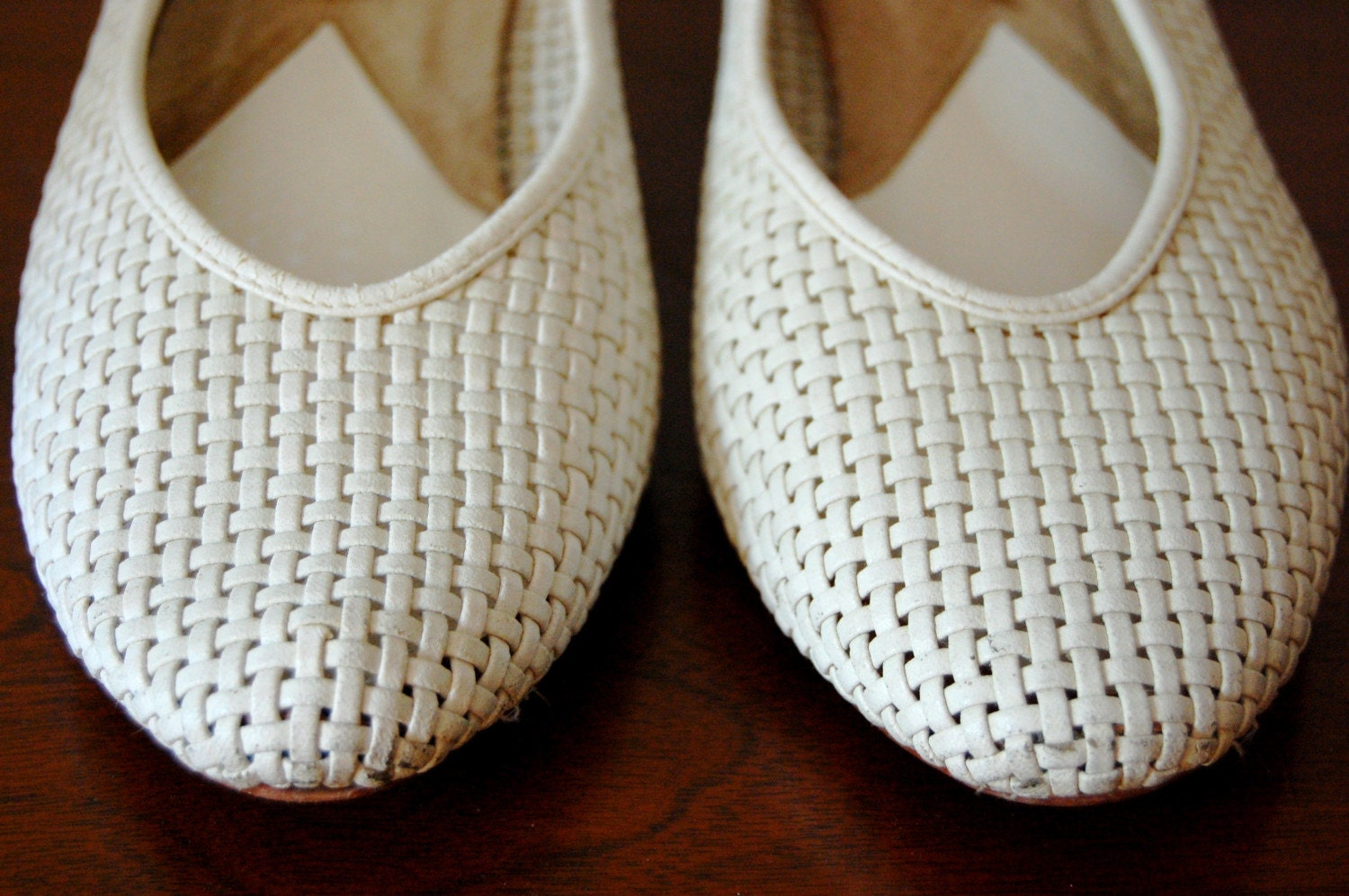 Vintage WICKER White Woven Shoes Size 10 SALE