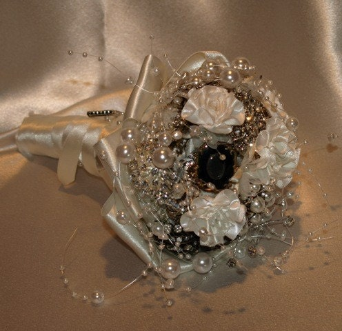 Vintage Jewelled Brooch Bouquet