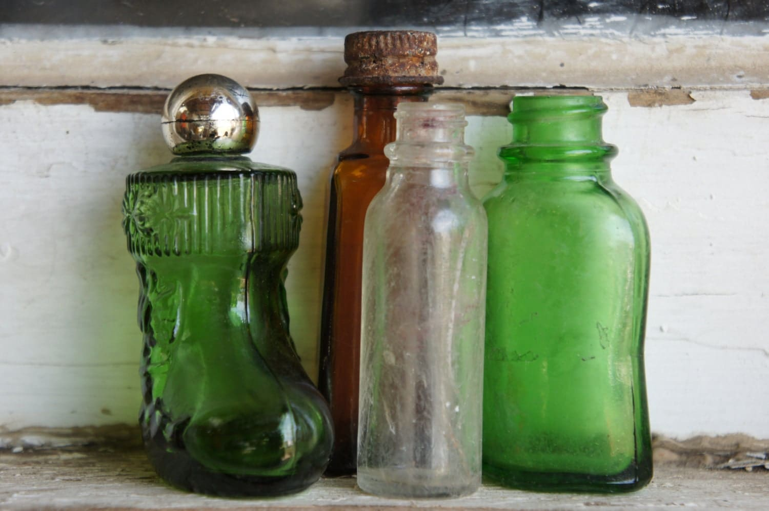 Lot of 4 Decorative Vintage Bottles in Great Condition  Green Glass  Amber Glass