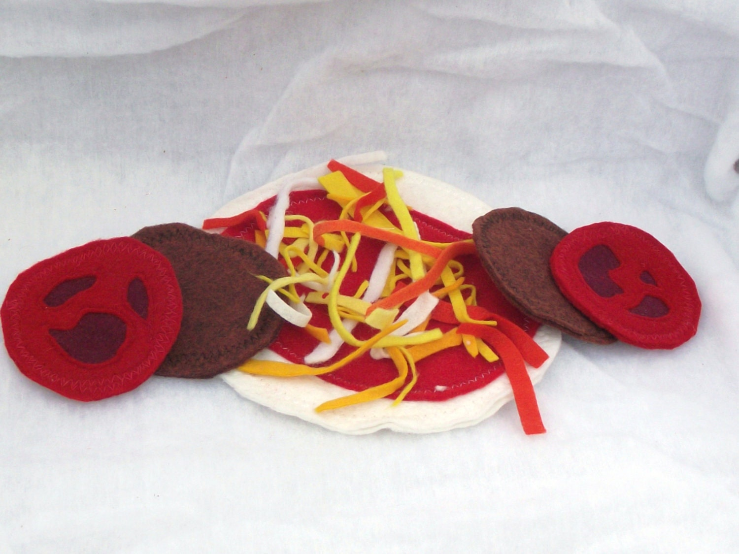 Play Pizza Felt Food that kids just love to play in their kitchen with