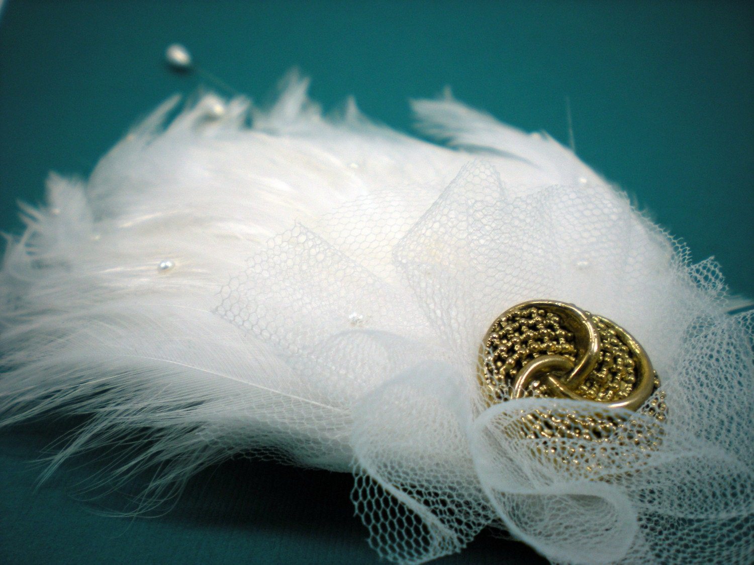 White Bridal Pearl Feather Hair Piece by LiDDesignsBoutique pearl head