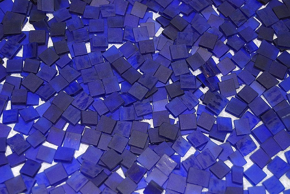 Mini royal blue tumbled stained glass mosaic by for Tumbled glass tile