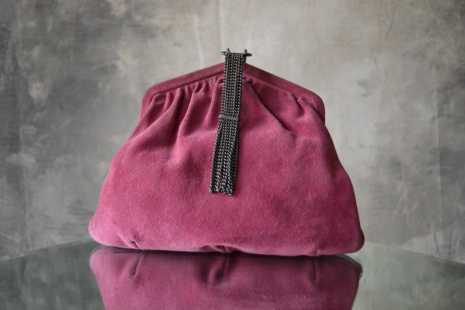 magenta suede vintage purse with metal chain clasp