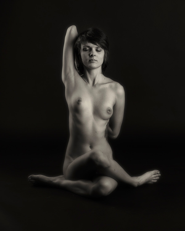 Figure Photography Erotica Fine Art Nude by BlackandWhiteNudes
