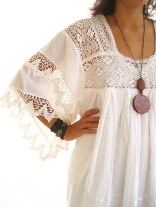 White Romantic Mexican Natural Maxi Dress Vintage Excellent Condition Hippie Fairy chic Bohemian wedding dress