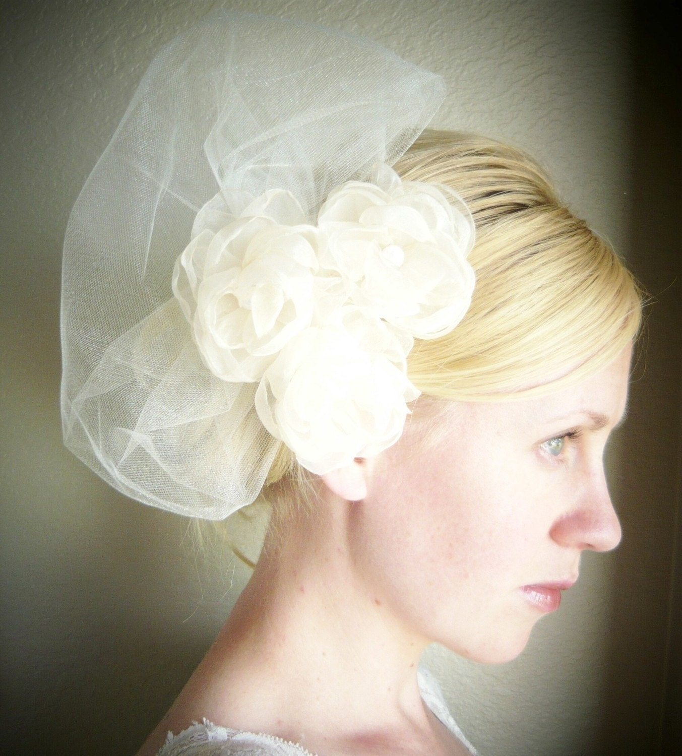 Accent Poof Ivory Veil  by starz selection