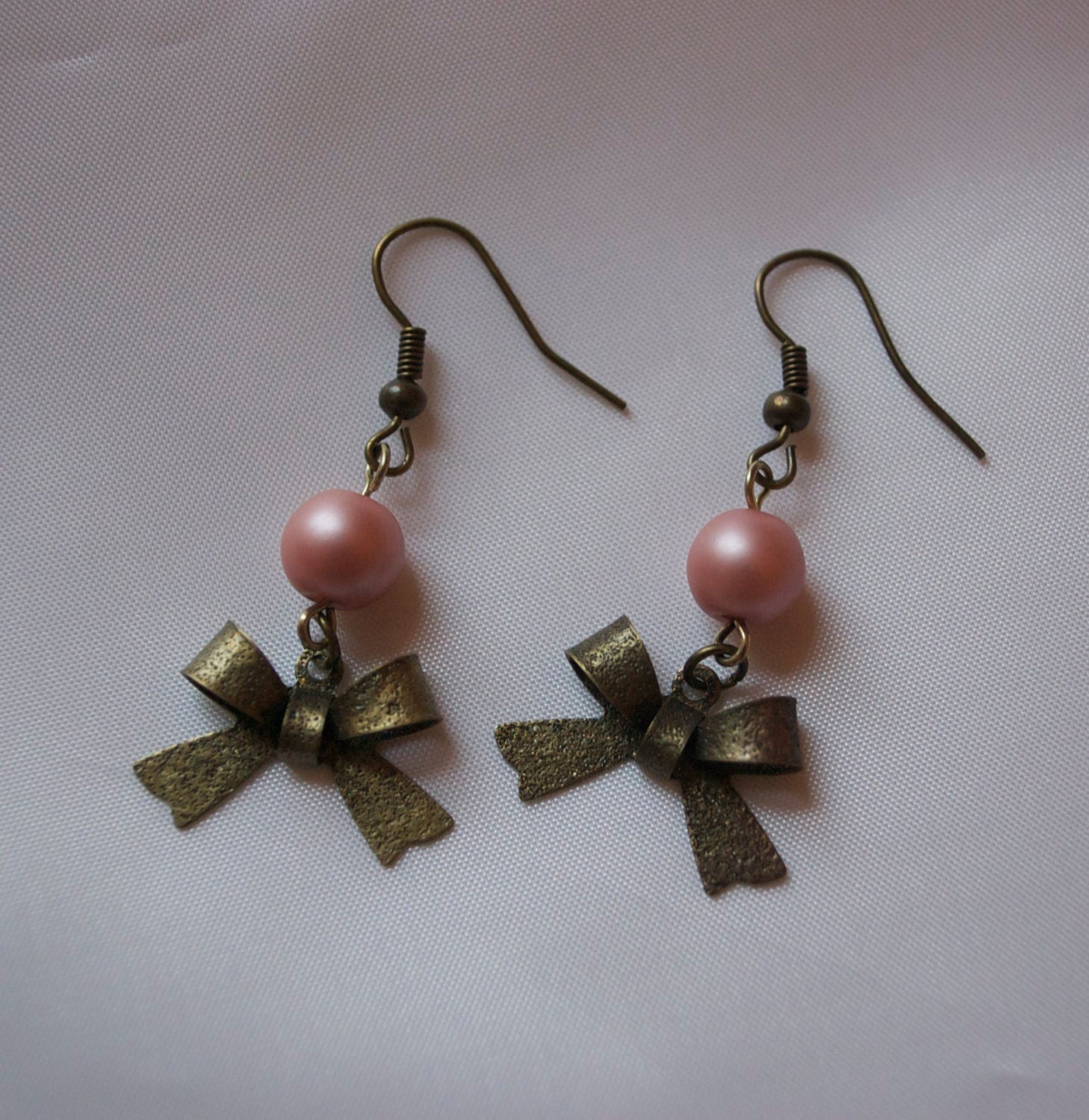 Pink Pearl Bow Earring