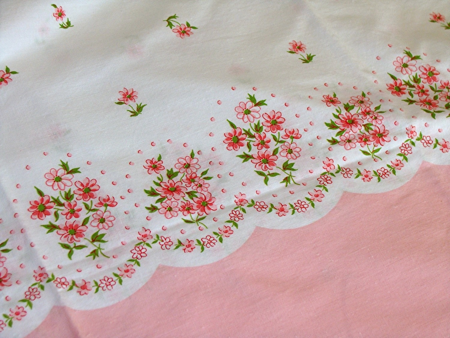 Vintage Cotton Full Feedsack Border Print fabric - little pink daisy flowers on white