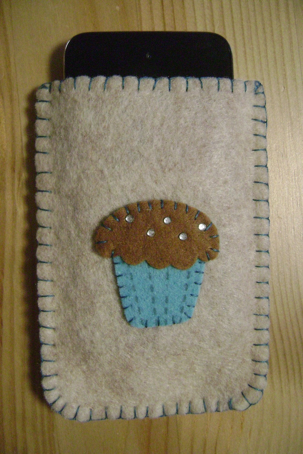 Brown Felt Cupcake Iphone/Ipod/Itouch Phone Case