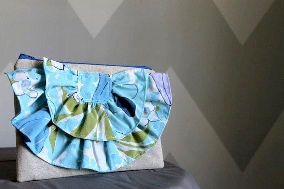 Vintage Ruffle Clutch - Mod Blue