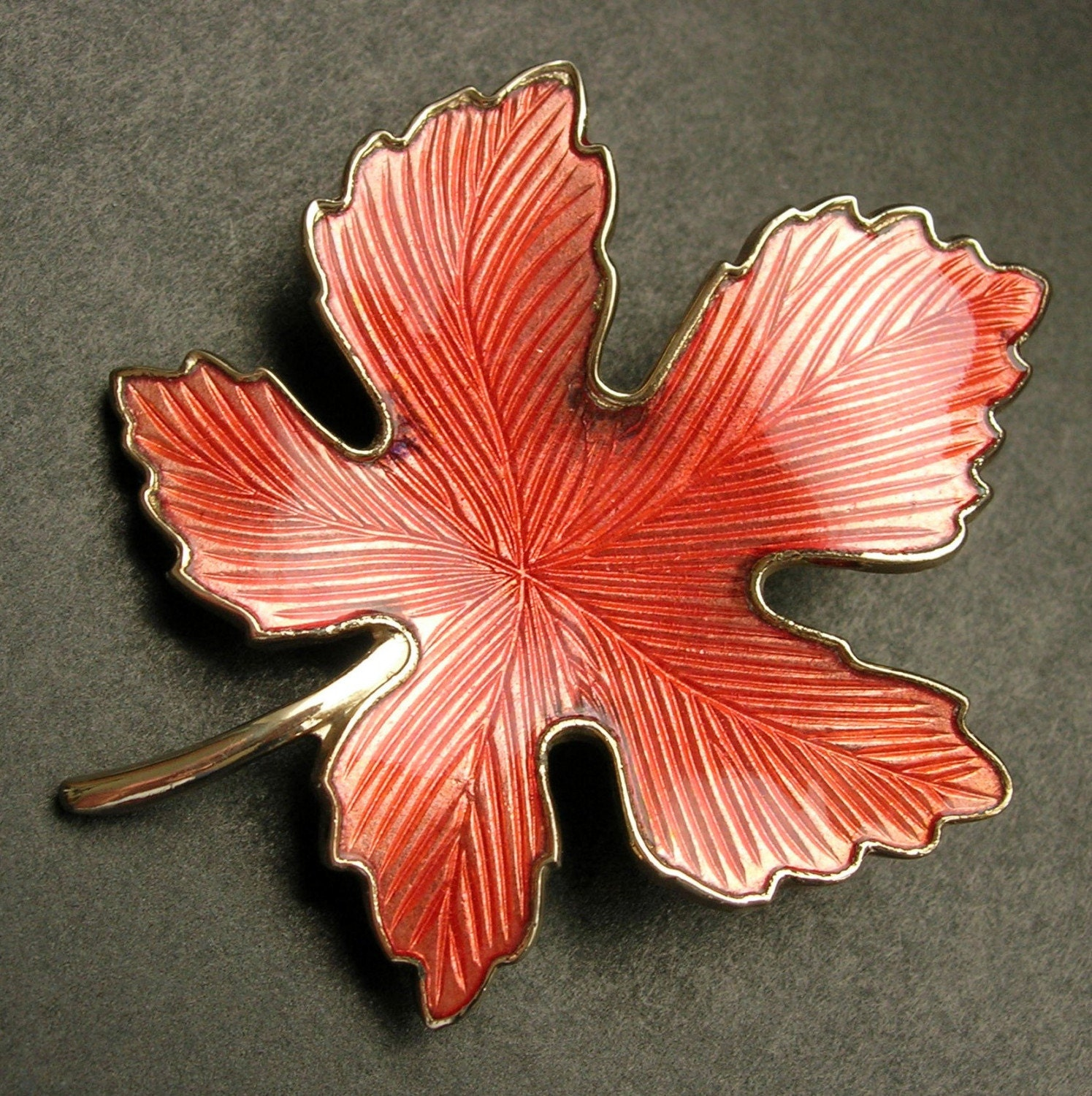 Vintage Enamel Maple Leaf Pin Brooch