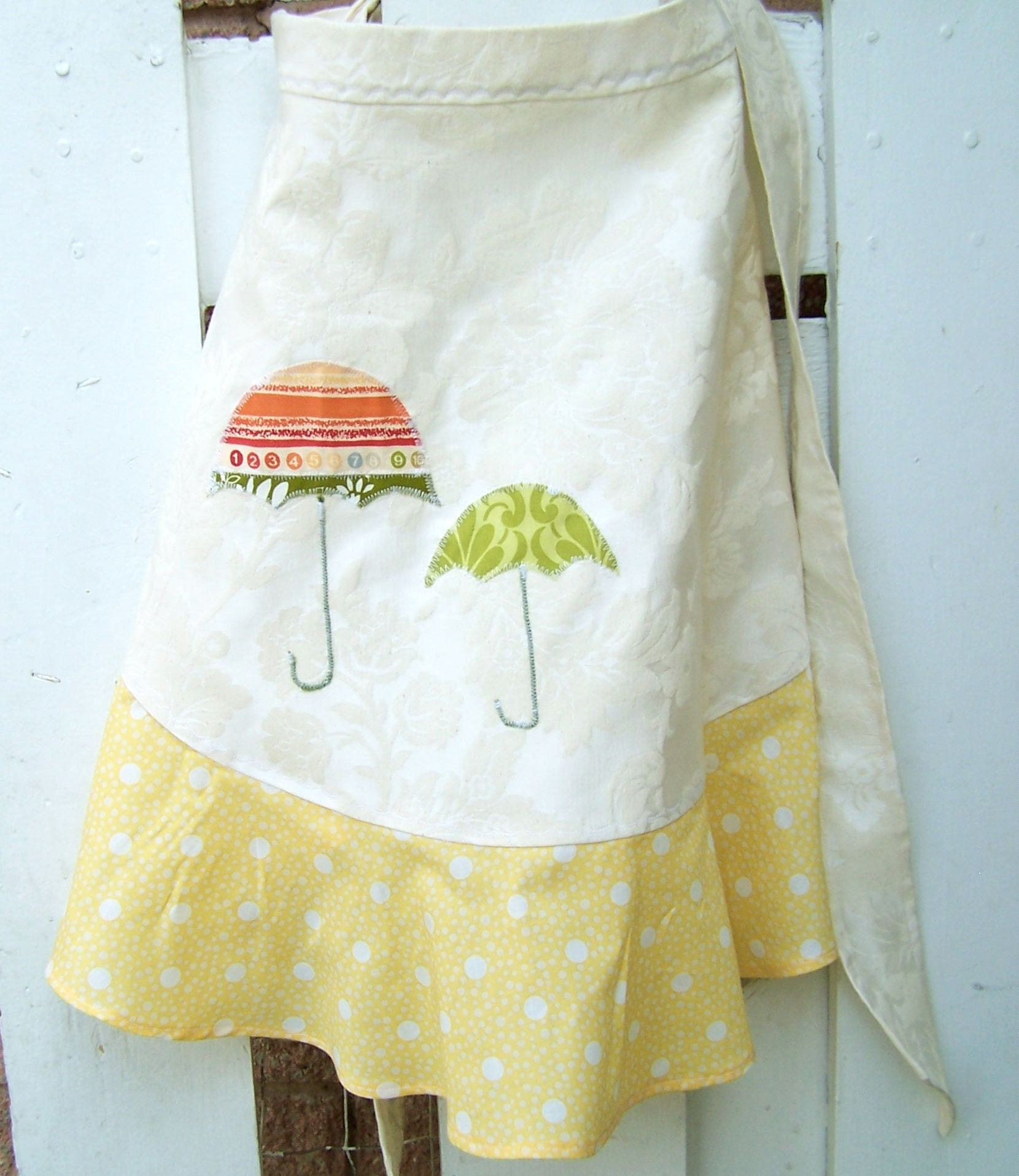 April Showers Half Apron