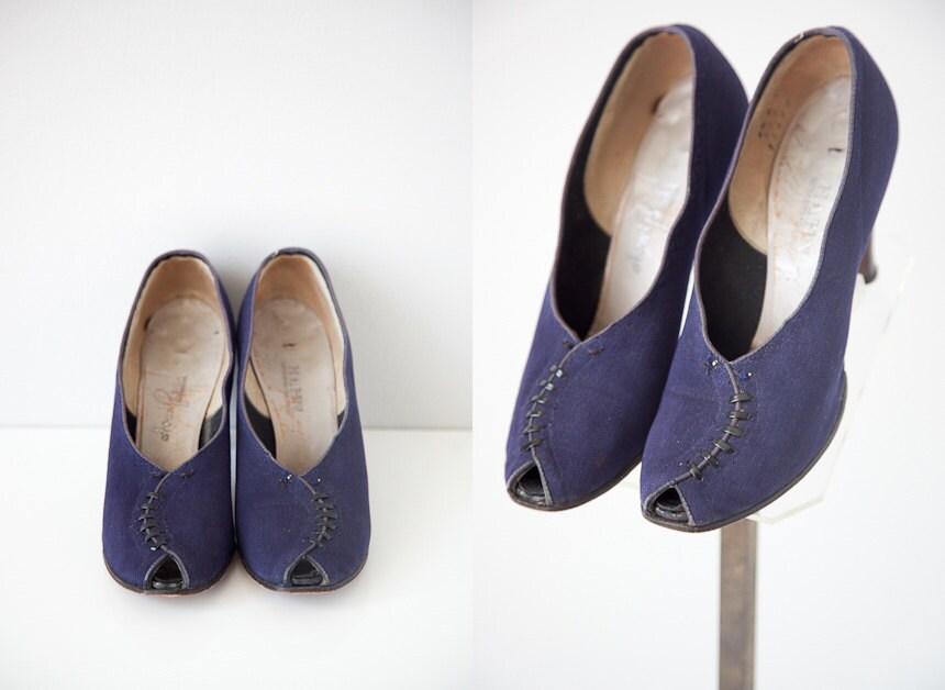 vintage 1940s shoes / vintage 40s heels / vintage shoes / vintage heels / 1940s shoes