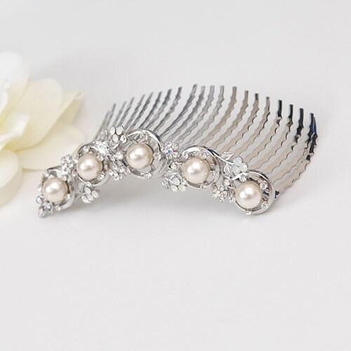 Pearl and Rhinestone Hair Comb - silver metal color, circle flower design, bride, weddings