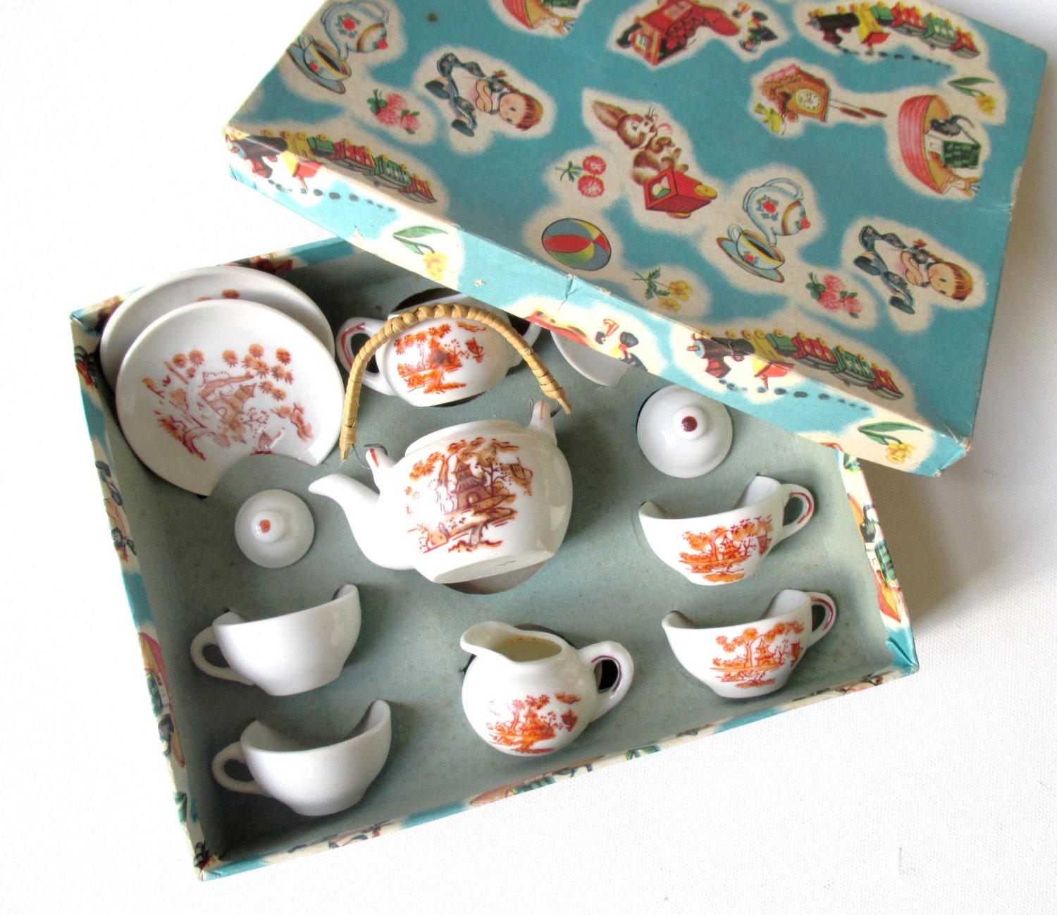 VINTAGE 60's / tea party set / toy tea set / China porcelain / illustrated carboard box / new old stock / collectible - Prettytidyvintage