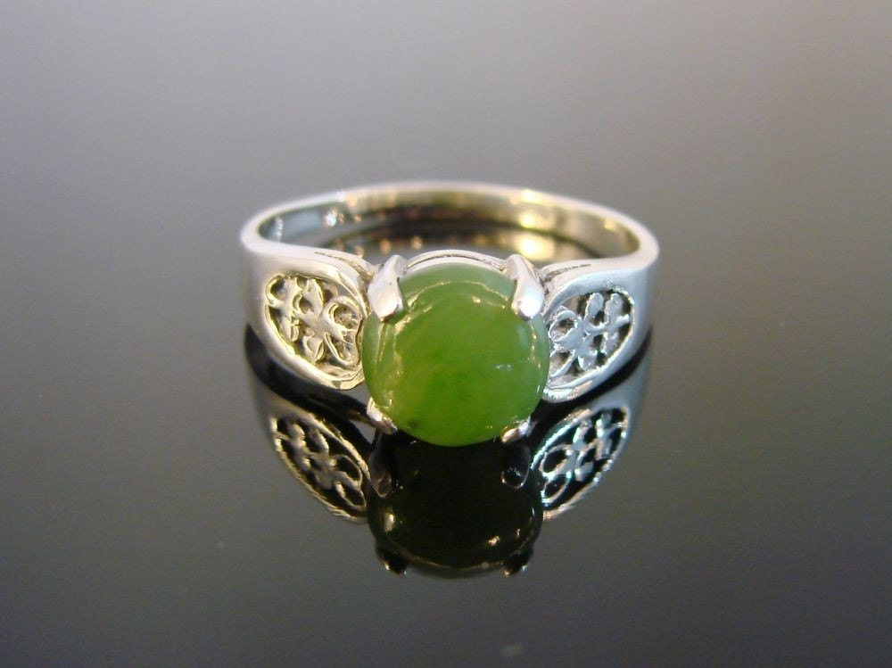 Green Earth - Sterling Silver Filigree Ring with Genuine Jade Cabochon - (60) - Firefallstudios