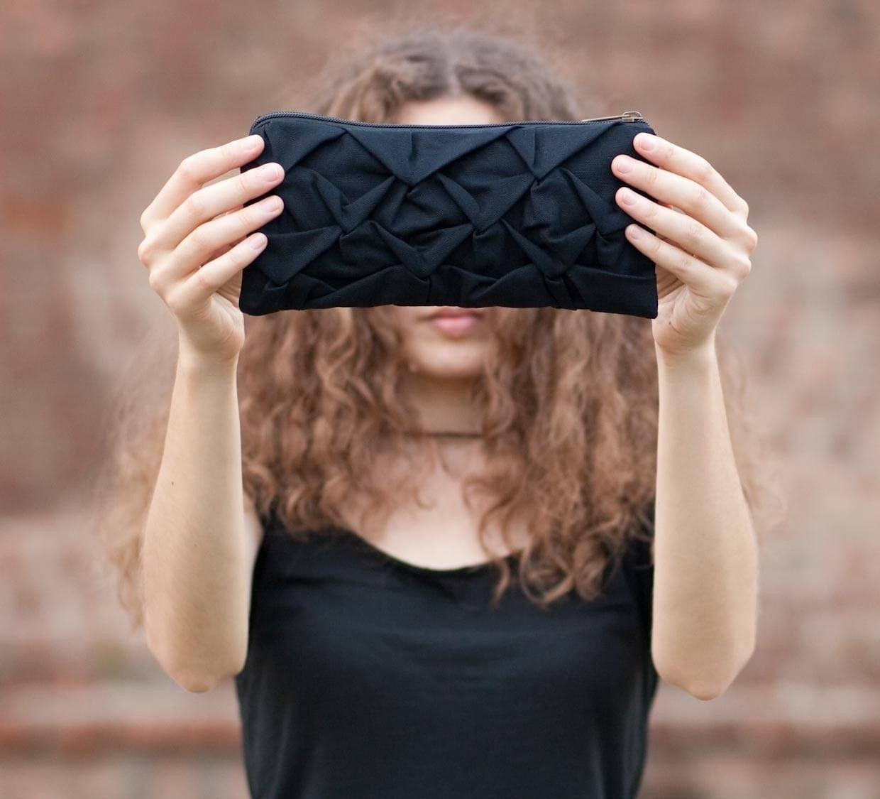 Piccola Ninfea pouch in black