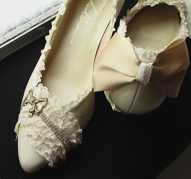 Vanille Marie Antoinette Bow Heels