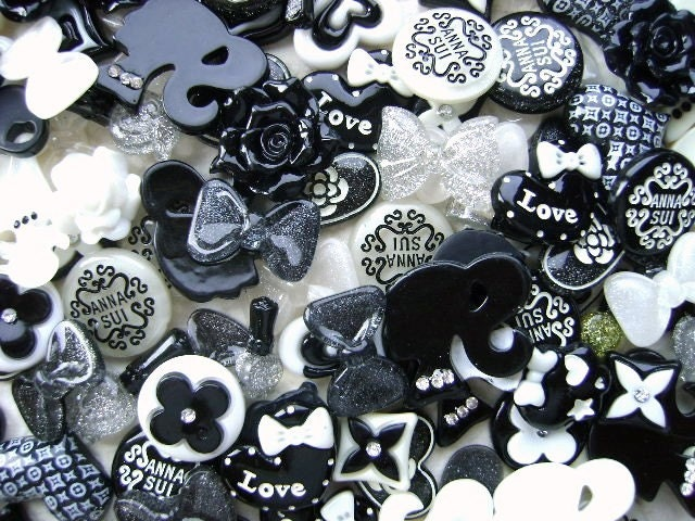 WHOLESALE Cute Japanese 125 Mix Black And White Cabochons Charms BIG Pack B