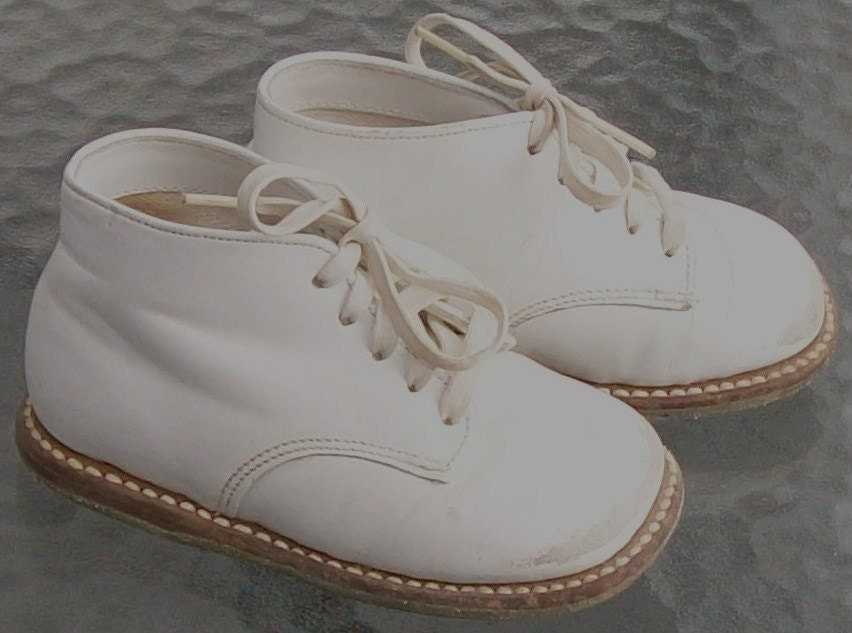 Vintage Buster Brown Leather Shoes by NittyGrittyVintage ...