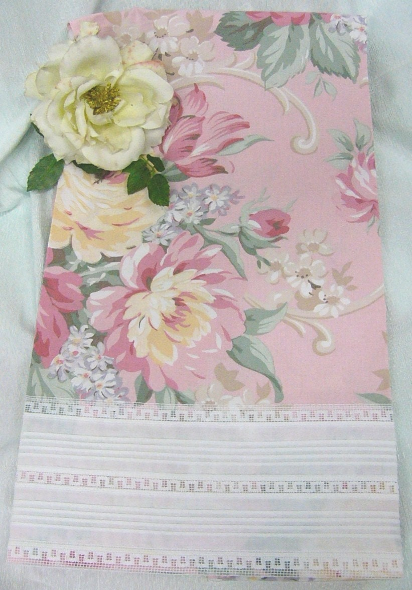 Romantic Pale Pink Roses and Scrolls Double Vintage Lace Edge Tea Towel