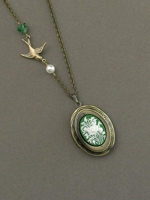 green bird necklace