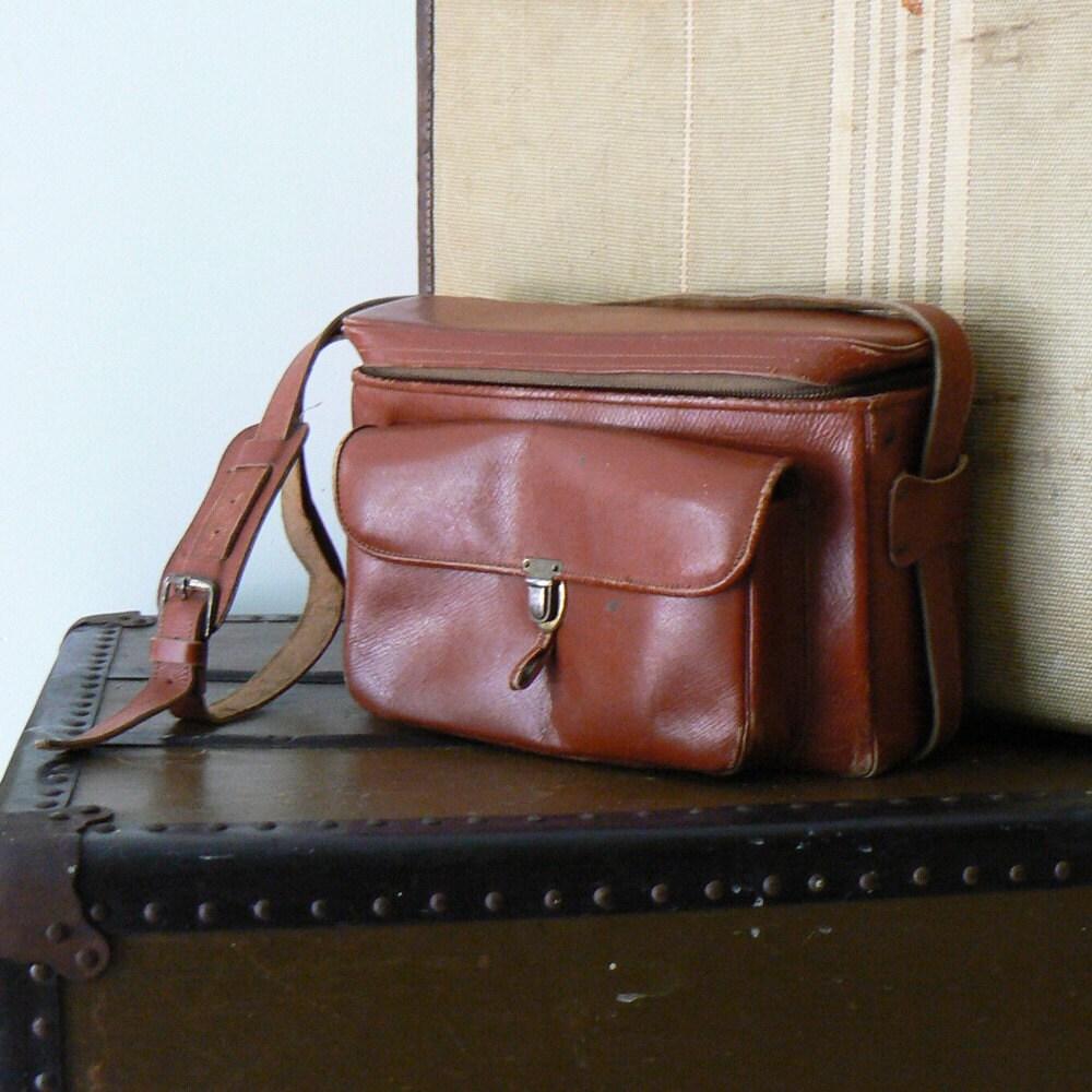brown .vintage. (case) bag